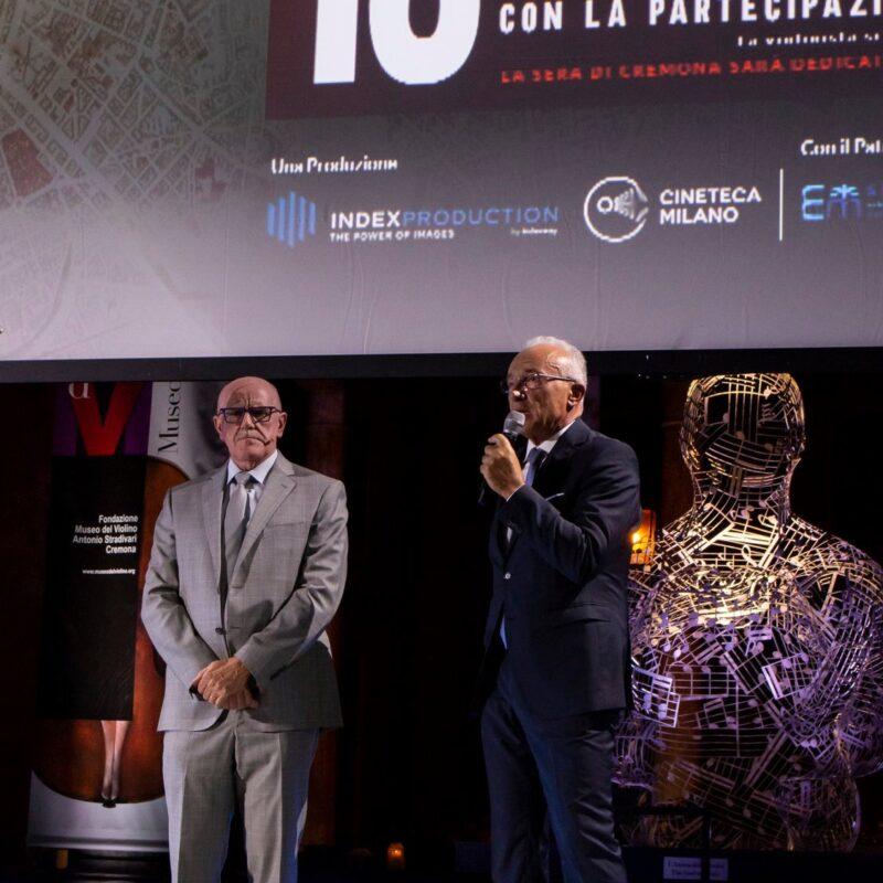 """Giuseppe Rossi (Direttore Generale dell'Ospedale di Cremona) e Vito Danilo Gagliardi (prefetto di Cremona) durante la presentazione del docufilm """"A Viso Aperto"""""""