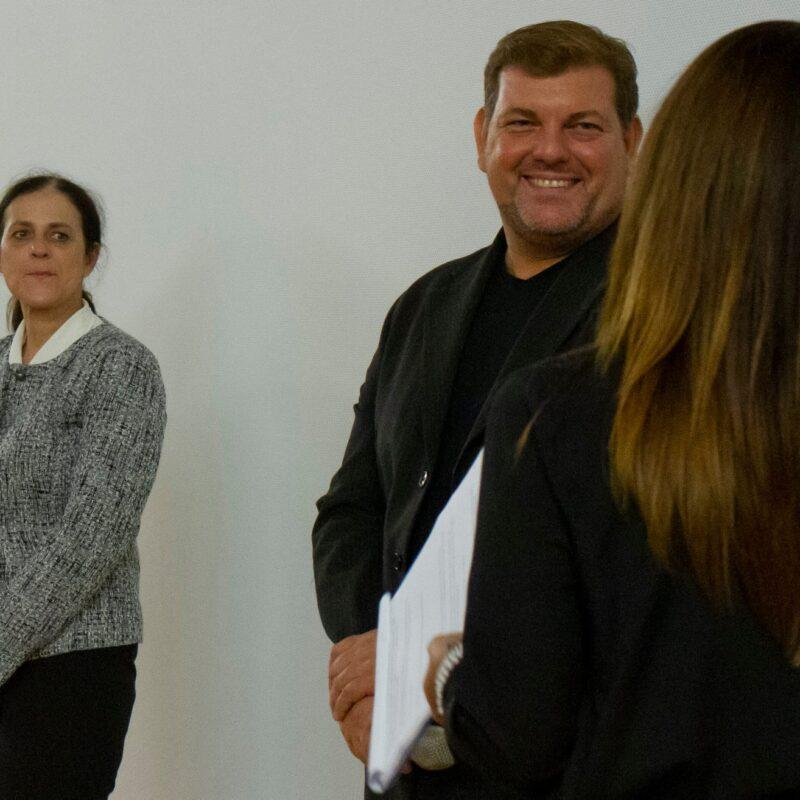 """Natascia Turato (autrice) e Ambrogio Crespi (regista) durante la presentazione del docufilm """"A Viso Aperto"""""""