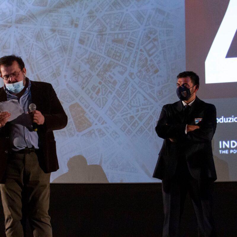 """Luigi Crespi (autore) e Franco Lembo (Assocentauri Calcio ASD) durante la presentazione del docufilm """"A Viso Aperto"""""""