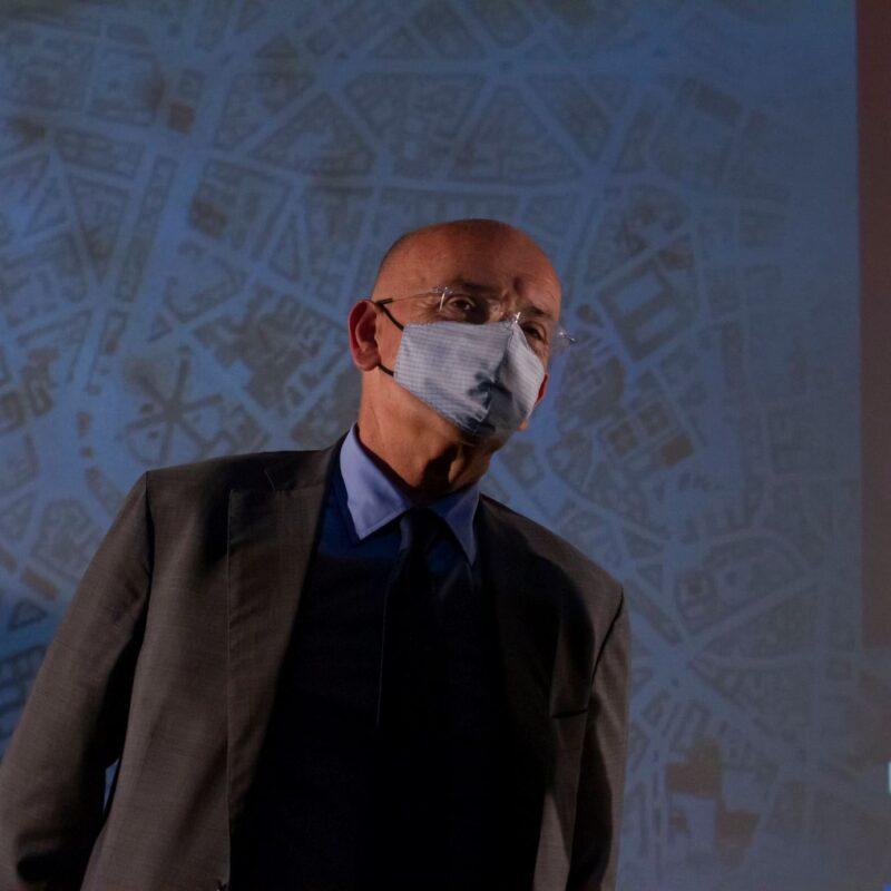 """Francesco Paolo Sisto (musicista) durante la presentazione del docufilm """"A Viso Aperto"""""""