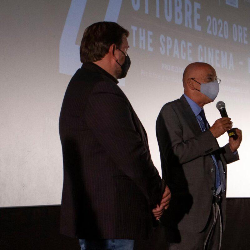 """Ambrogio Crespi (regista) e Francesco Paolo Sisto (musicista) durante la presentazione del docufilm """"A Viso Aperto"""""""
