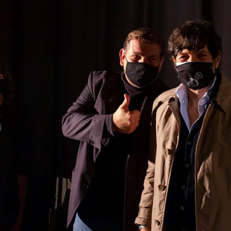 """Ambrogio Crespi (regista) e Francesco Tilesi (Emergency Group) durante la presentazione del docufilm """"A Viso Aperto"""""""