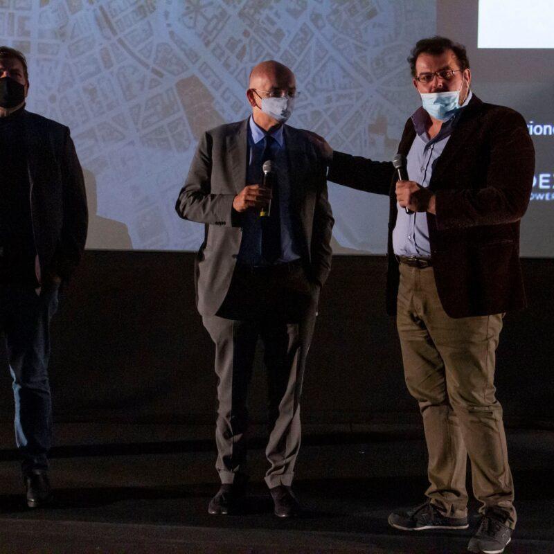 """Ambrogio Crespi (regista), Francesco Paolo Sisto (musicista) e Luigi Crespi (autore) durante la presentazione del docufilm """"A Viso Aperto"""""""